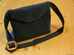 handtasche-babycord-blau